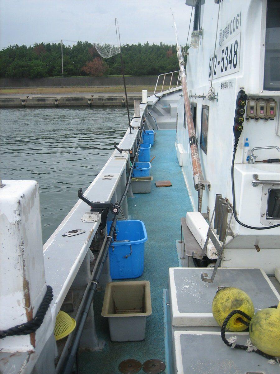 船体横(釣り竿設置)